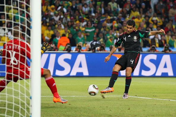 2010.6.11墨西哥4號Marquez 踢進扳平的關鍵分.jpg