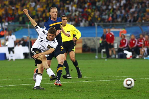 2010.6.13 德國13號Muller 攻下第3分.jpg