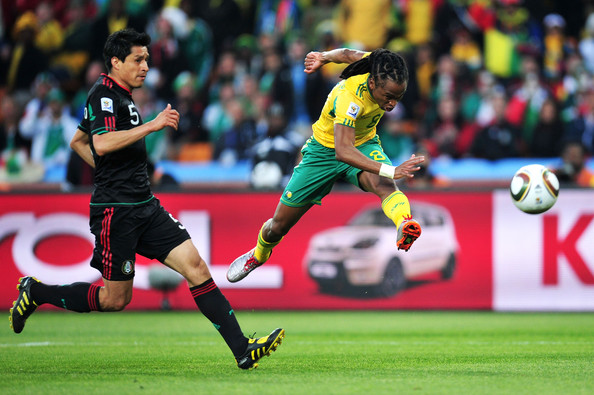 2010.6.11南非8號Tshabalala 踢進南非世界盃第一球.jpg