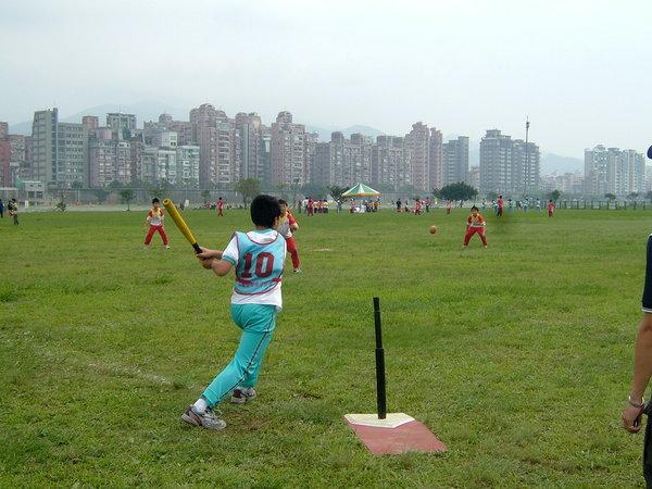 第五棒 左外野手 陳小明