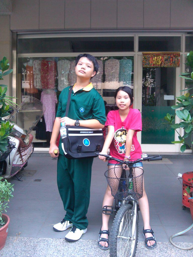 叮咚長大了,單車變小了