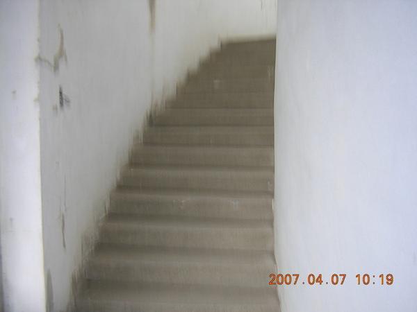 員林高中布丁堡樓梯<96年6月初拆了>