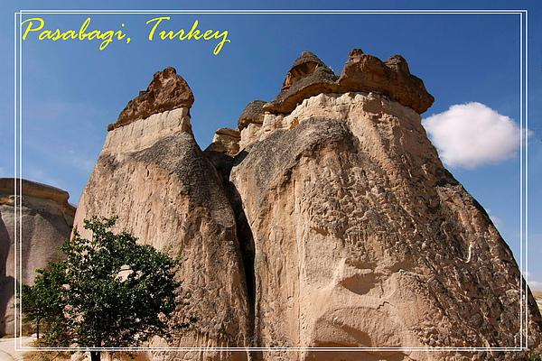 022_MG_7747_C2_巴夏倍的奇岩造型特殊,這裡又稱為仙人煙囪.JPG