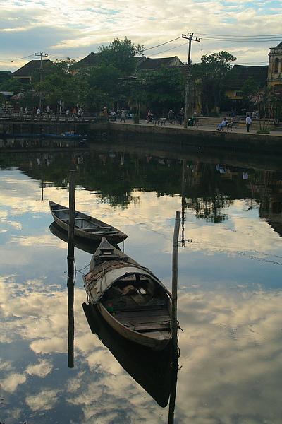 038_IMG_0455_Hoi_An_中越會安是世界遺產,是個很有特色的小鎮,河邊倒影.JPG