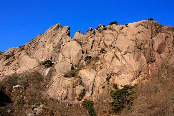 12_MG_0336_C2_鰲魚峰,這片岩時有豬八戒、海豚、鰲魚,要仔細看.JPG
