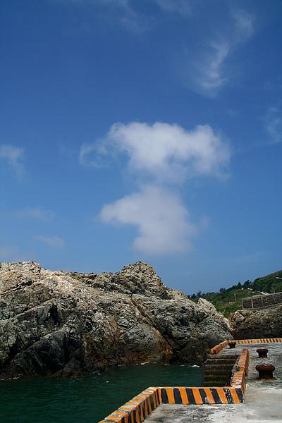 048_IMG_6932_C_東莒猛澳港,霧季難得的藍天2.JPG
