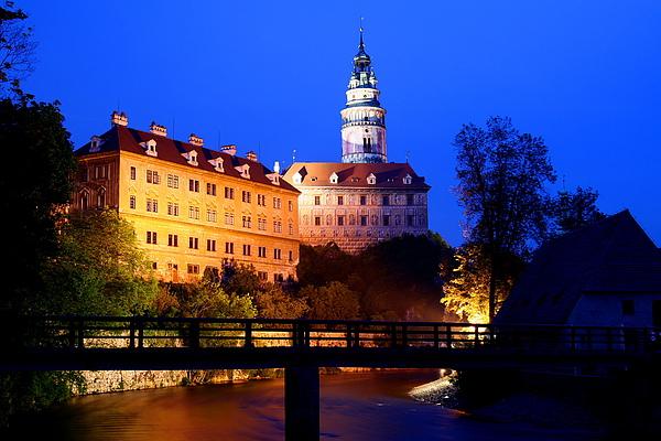 44_2880_Cesky Krumlov_克倫洛夫城堡與彩繪塔夜景.JPG