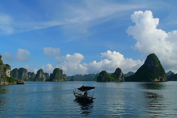 005_IMG_0742_Halong_Bay_下龍灣是越南最有名的世界遺產.JPG