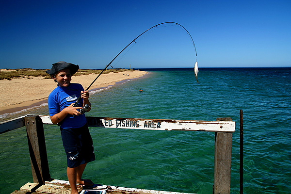 056_IMG_3743_Northern_Ningaloo_Reef_釣到魚了.JPG
