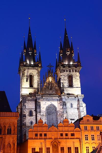30_4418_Praha_布拉格禔恩大教堂的夜景也很迷人.JPG