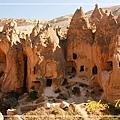 020_MG_7668_C2_卡帕多基亞地區濟爾維露天博物館,岩石頂端有尖尖的造型.JPG