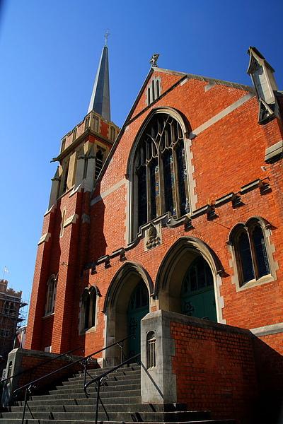 024_IMG_3050_Perth伯斯教堂與藍天.JPG