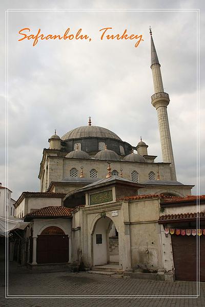 026_MG_7203_C2_番紅花城一座我很喜歡的清真寺,比較可惜的是今天天氣不佳.JPG