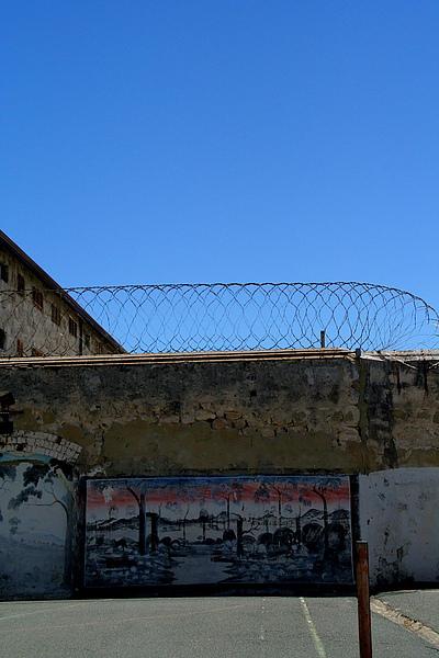 016_IMG_3095_Fremantle前監獄,連監獄都有美麗藍天.JPG