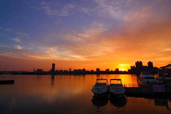 04_MG_6923_C3_太陽下山後橘色的天空.JPG