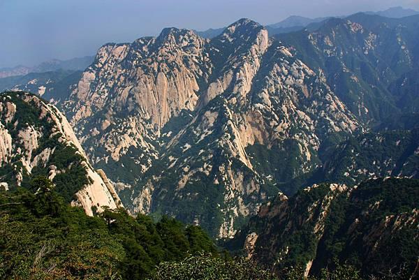 003_MG_0829_C_華山,壯觀的山勢.JPG