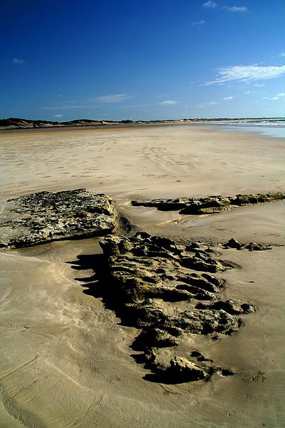 074_IMG_4239_Broom Beach  到了西北的Broom,還是有藍天.JPG