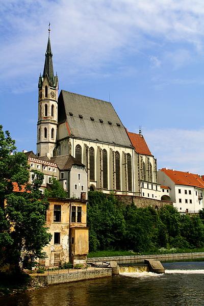 02_2619_Cesky Krumlov_克倫洛夫聖維斯特大教堂位於伏爾塔瓦河邊.JPG
