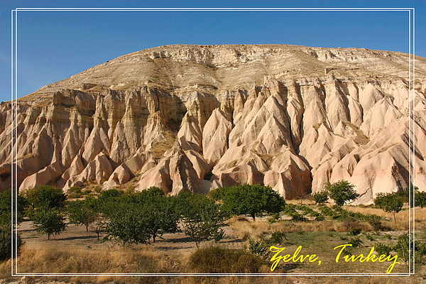 014_MG_7611_C2_卡帕多基亞地區濟爾維露天博物館有層次的岩石.JPG