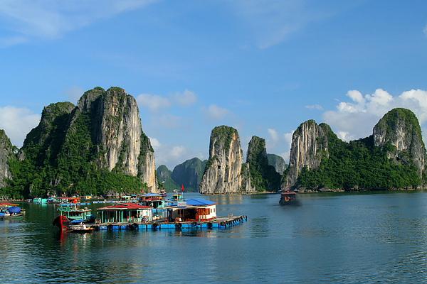 001_IMG_0730_Halong_Bay_下龍灣是越南最有名的世界遺產.JPG