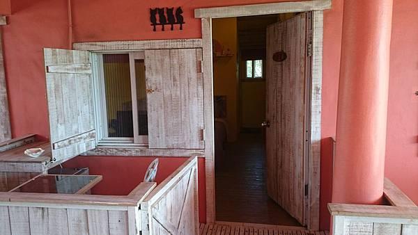 門口有露臺