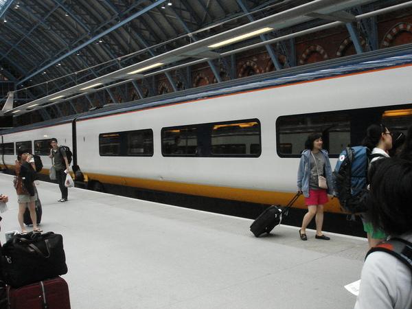 從倫敦乘e-EUOSTAR到法國