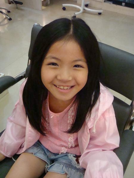 李艾凌剪髮前的樣子