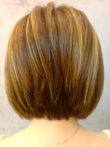 王美娟染髮後背面