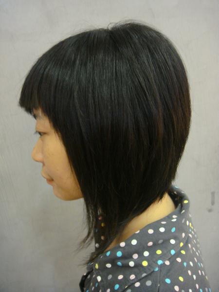王禺蓁 剪髮後側面1