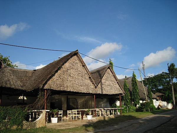 Diani Campsite n Cottages (15).jpg