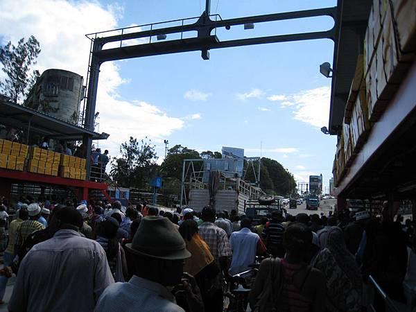 回Mombasa之路上 (5).jpg
