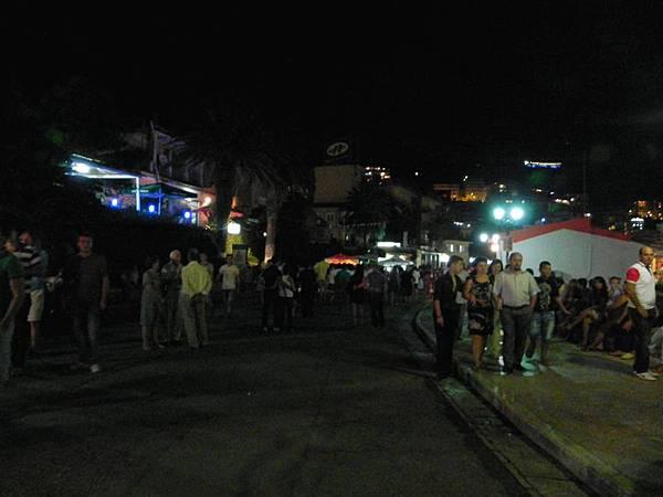 Saranda 的夜景