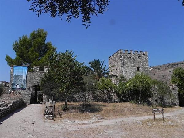 the Acropolis (2)
