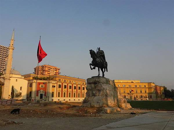 Scanderbeg Square (5)
