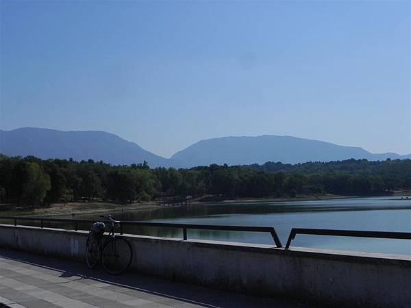 Lake Tirana (3).JPG