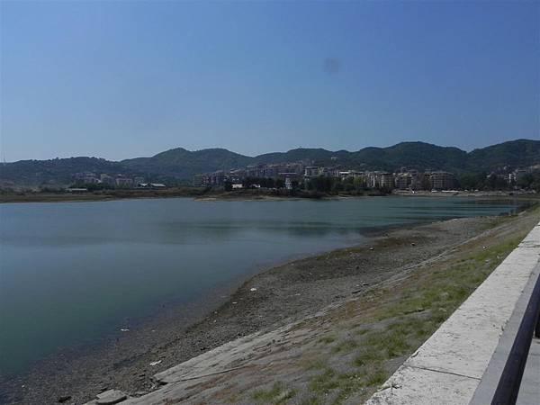 Lake Tirana (9).JPG