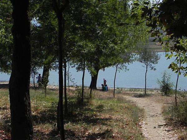 Lake Tirana (11).JPG