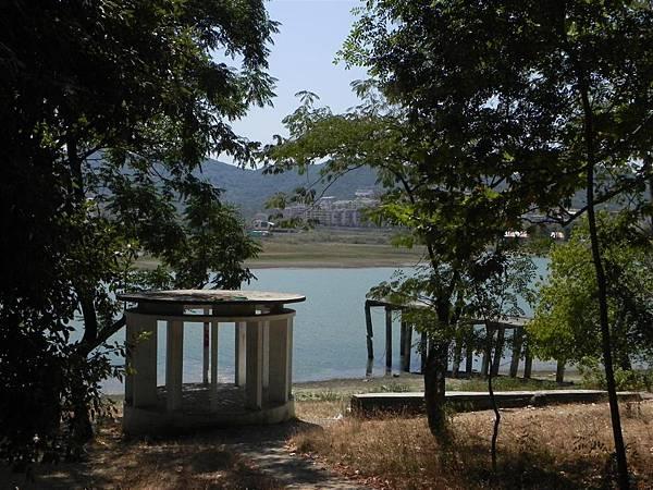 Lake Tirana (13).JPG