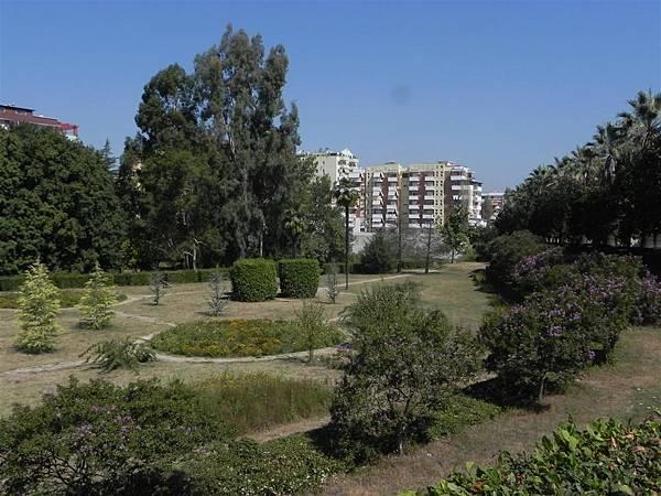 Tirana Botanical Garden (9).JPG