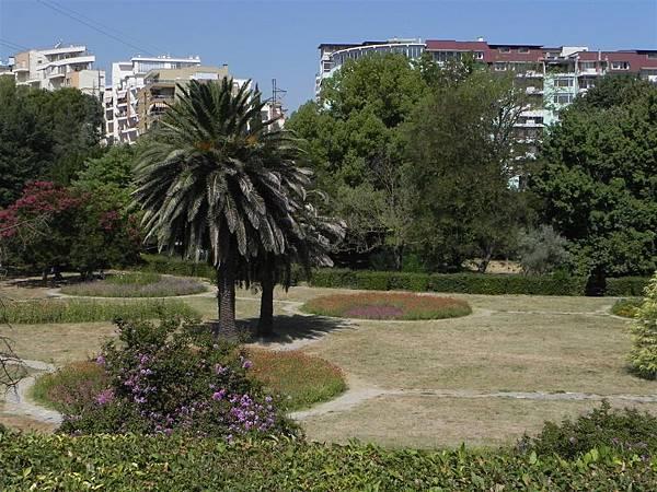 Tirana Botanical Garden (8).JPG