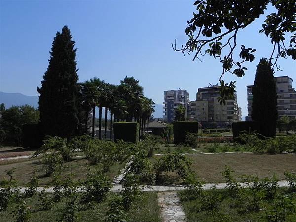 Tirana Botanical Garden (12).JPG