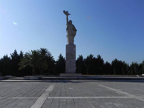 National Martyrs Cemetery of Albania (7).JPG