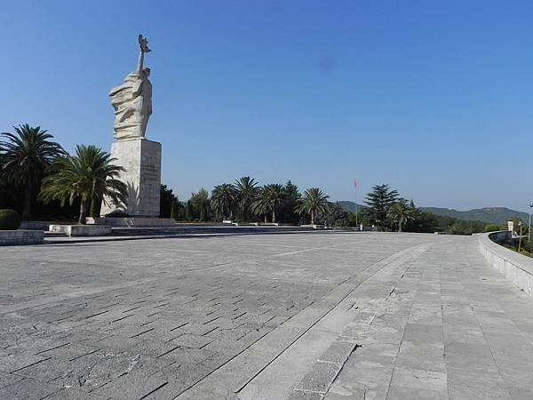 National Martyrs Cemetery of Albania (8).JPG