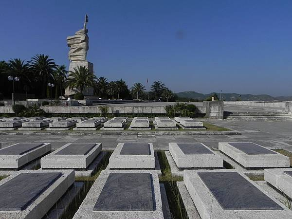 National Martyrs Cemetery of Albania (10).JPG
