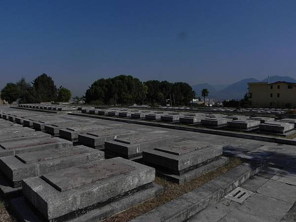 National Martyrs Cemetery of Albania (16).JPG