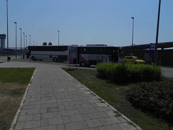 leaving Albania (6).JPG