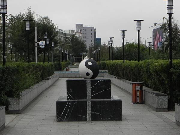 蘇赫巴托廣場附近 (2).JPG
