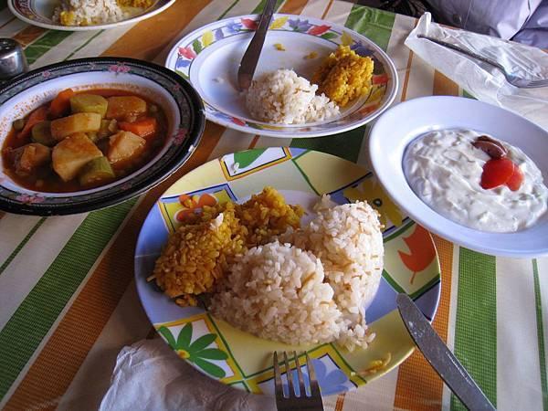 Abdum Restaurant午餐.JPG