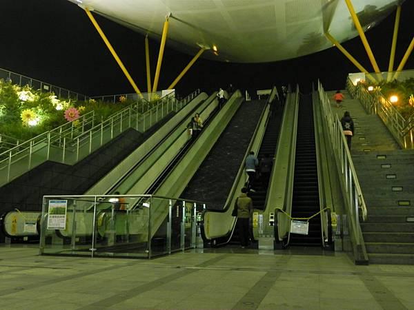 高捷中央公園站 (1).JPG