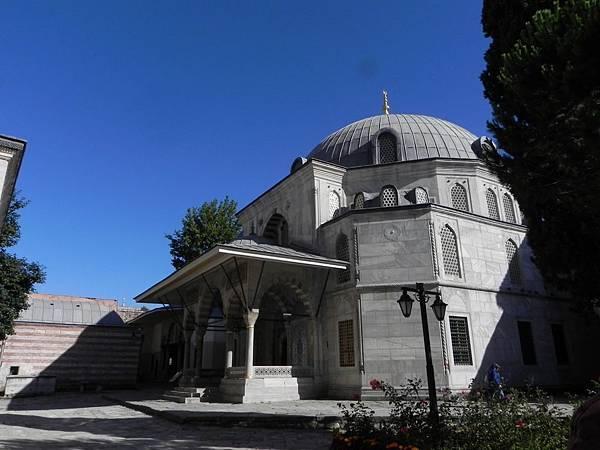 Hagia Sophia旁之陵寢 (1).JPG